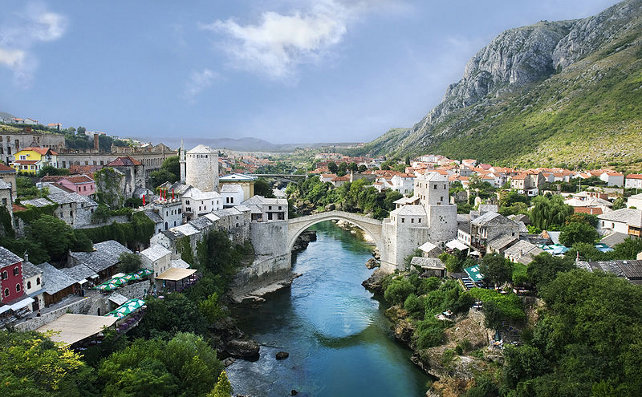 Mostar_Old_Town_Panorama_2007